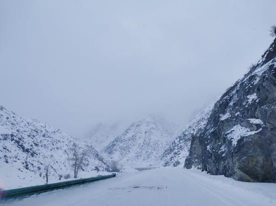 新乌恰沟被大雪覆盖。