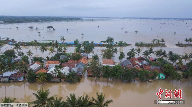 印尼西爪哇省遇洪水 大量房屋被淹