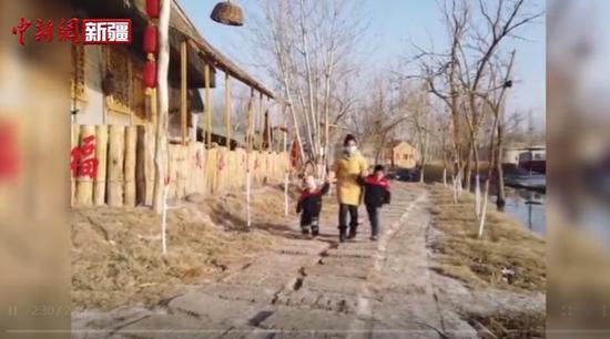 """小桥流水人家 新疆喀什努尔比亚吃上""""旅游饭"""""""