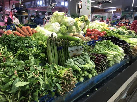 """寧波一菜場""""上新""""的蔬菜。  林波 攝"""