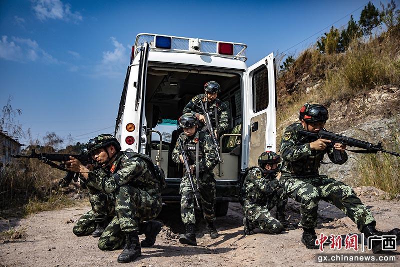 玉林武警官兵开展春季练兵活动