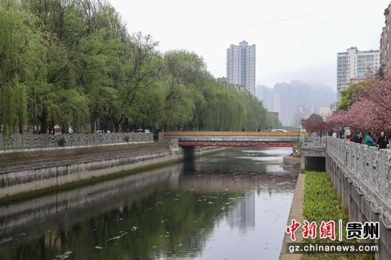 图为治理后的水城河。 瞿宏伦 摄