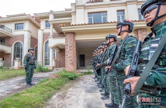 武警贵港支队:实战演练锻造反恐尖兵