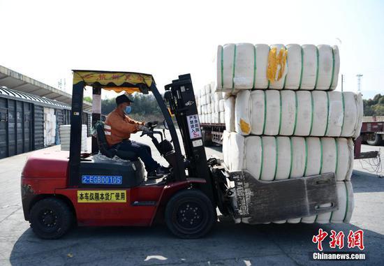江西九江加大组织力度 保证新疆棉花及时到达纺织企业
