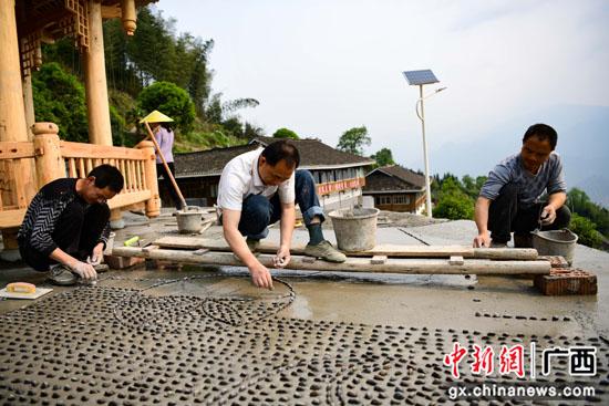 广西桂林龙胜县提升乡村风貌 优化人居环境