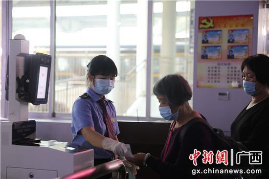 清明小长假桂林火车站预计发送旅客22万人次