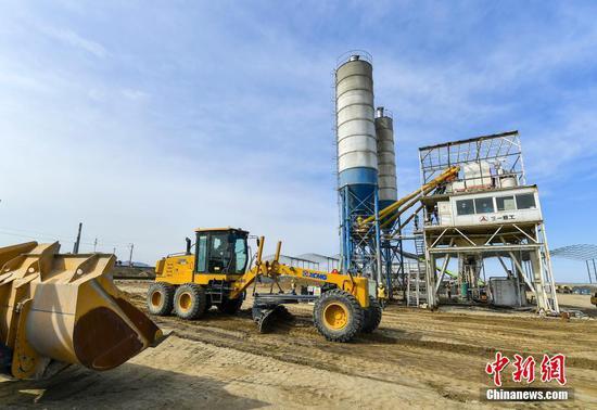 新疆乌将铁路扩能改造工程全面开工