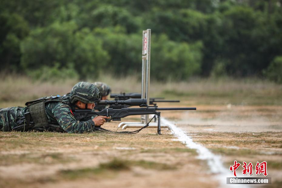 直击广西武警特战队员训练:激战正酣火力全开