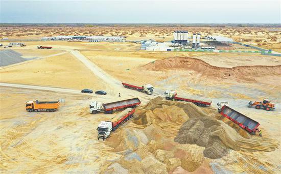 一师阿拉尔民用机场项目建设现场开始施工