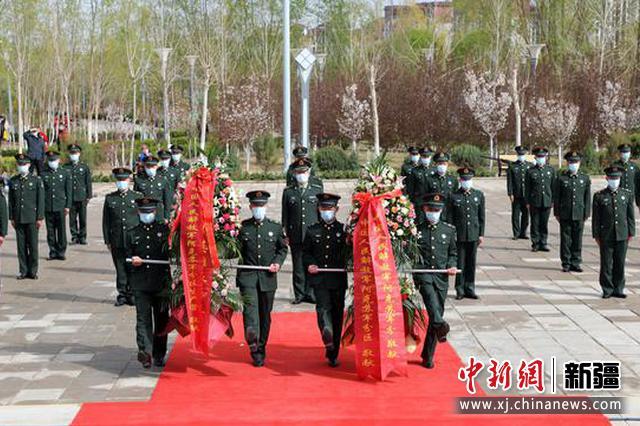清明节 新疆阿克苏军分区某部官兵开展祭奠活动