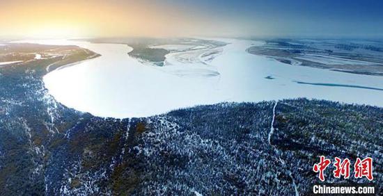 三河汇聚的塔里木河源头冬日美景如画。(资料图)台州援疆指挥部供图