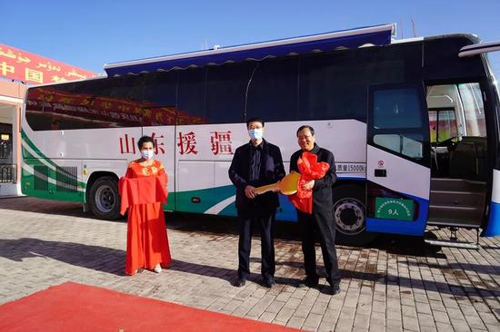 山东援疆向喀什地区肺科医院捐赠健康体检车