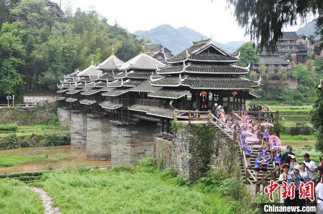 广西侗乡:民族风情游吸引游客