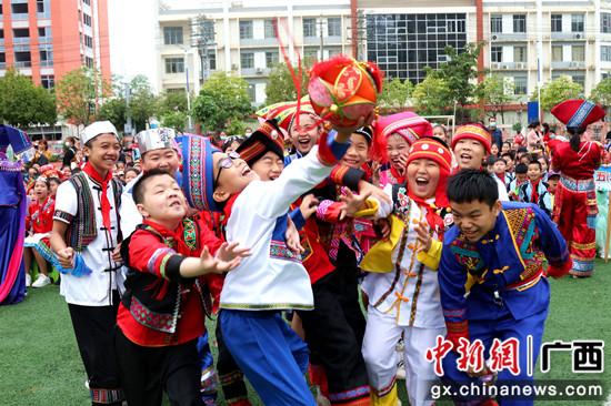 广西-东盟经开区营造民族团结进步宣传月浓厚氛围