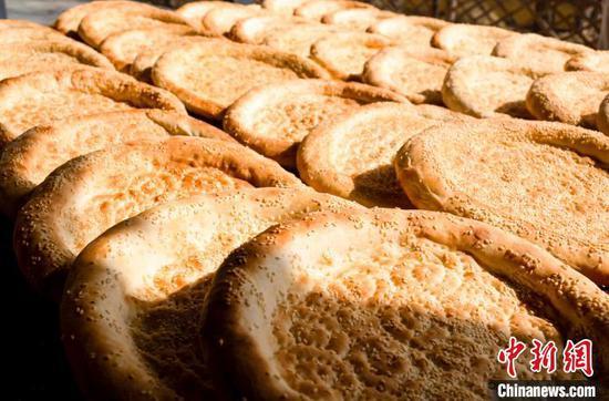 小馕饼 大产业 新疆乌尔禾区馕产业基地的春天