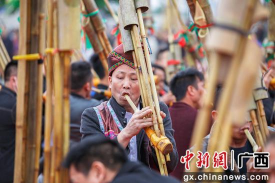 柳州柳北区以芦笙为媒 奏响民族团结之音