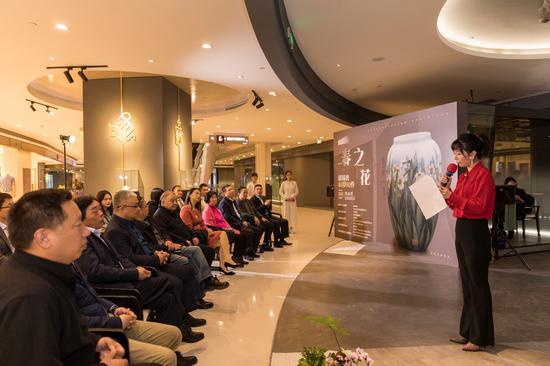 2021天智和■当代中国陶瓷艺术邀请展《春之花》在杭州开展ζ。主办方供�v图
