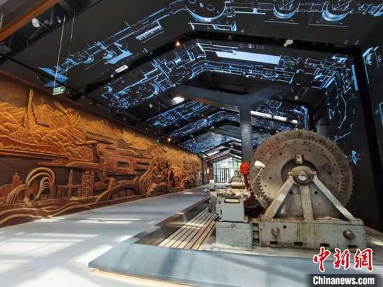 图为天水市工业博物馆展厅展示。 张婧 摄
