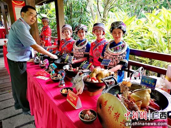 """灌阳美食在广西非遗特色美食大赛上""""辣味十足"""""""