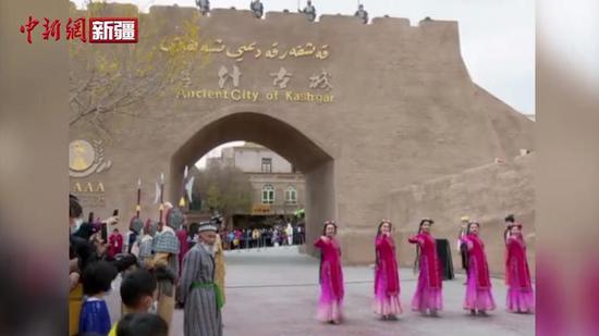 沿着高速看新疆 喀什古城迸发新活力