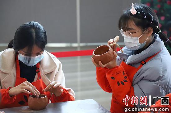 陶罐小课堂。南宁博物馆供图