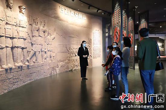南宁博物馆免费讲解。南宁博物馆供图