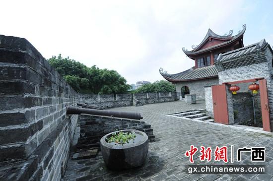 柳州东门城楼。姚琳尹  摄