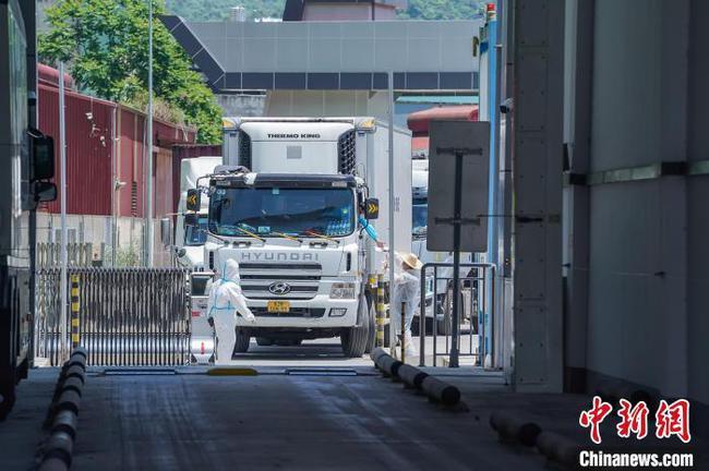广西强化边境疫情防控 入境人员、货物闭环式管理