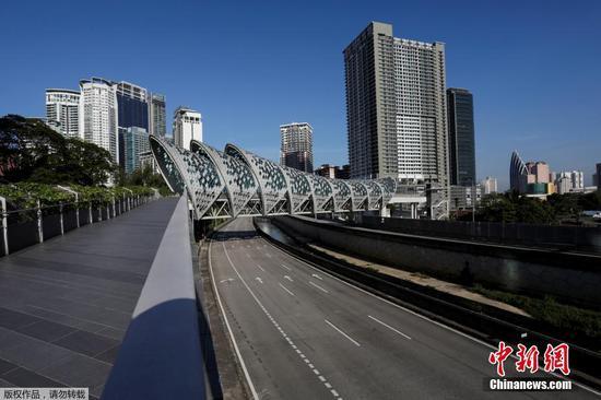 圖為吉隆坡主干道上罕有車輛通過。