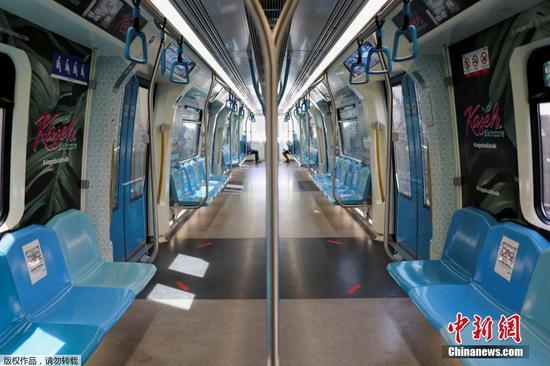 圖為吉隆坡地鐵上乘客稀少。
