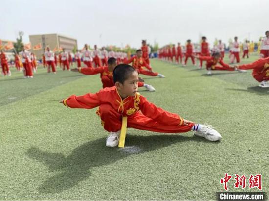 """看新疆兵團這些學校的花樣""""六一""""活動"""