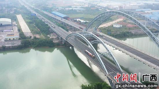 南宁沙井至吴圩高速公路预制标箱梁运输工作圆满收官