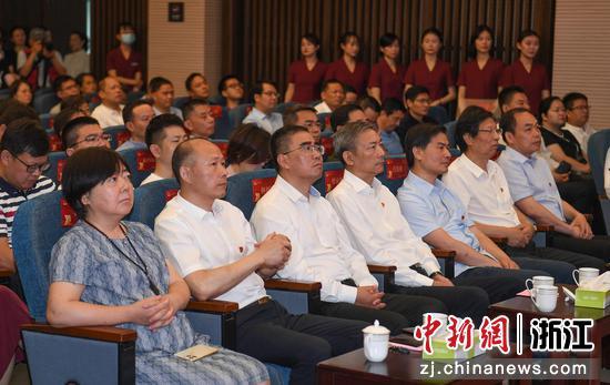 多位领导嘉宾出席开幕式。 王刚供图
