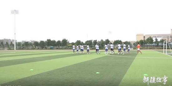 喀什大学足球队:为梦想而战
