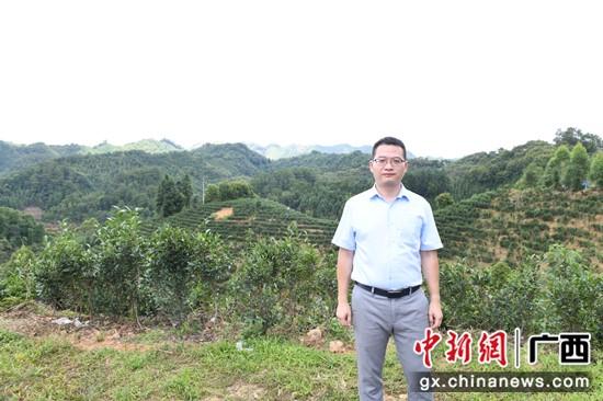 圖為農行梧州分行副行長吳棟 記者 林浩 攝