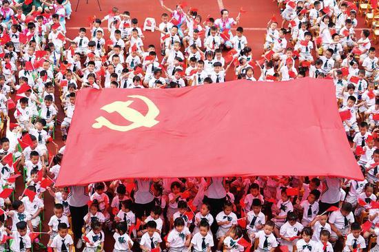 南宁市各中小学、幼儿园开展丰富多彩活动庆祝建党100周年