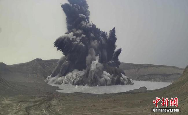 菲律賓塔阿爾火山噴出高達1000米的蒸汽 預警等級升至3級