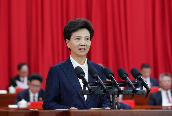 7月2日,贵州省庆祝中国共产党成立100周年大会在遵义隆重举行。图为省委书记、省人大常委会主任谌贻琴出席会议并发表讲话。杜朋城 摄