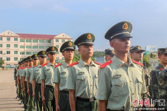 武警柳州支隊2021年度春季入伍新兵下連
