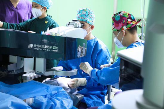 """杭州明视康眼科医院:创新公式计算""""光明"""""""