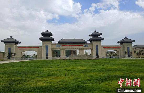 坐落在圖木舒克的新疆政法學院?!∈酚窠z