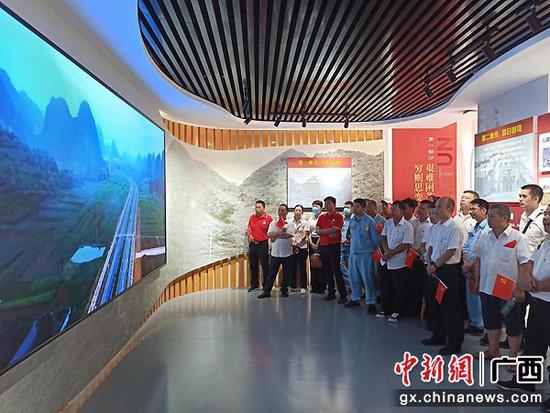 崇左龙州供电公司开展现场体验式教育活动