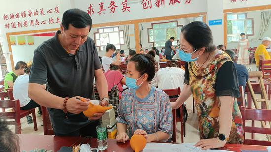 銀川市殘聯組織舉辦殘疾人葫蘆烙畫技能培訓班