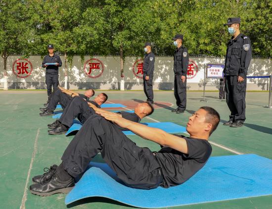 新疆阿勒泰:夏日练兵