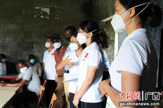 """中国援科摩罗抗疫纪实:蒋乾坤的第二次战""""疫"""""""