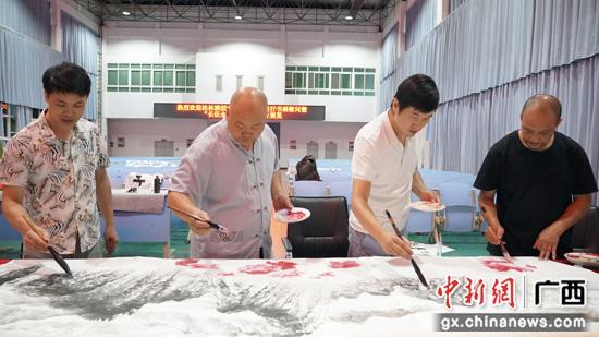 军民鱼水一家亲 桂林雅园书画院开展部队慰问活动
