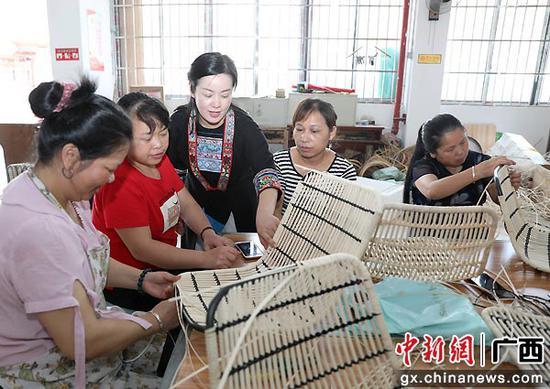 粤桂扶贫协作助力广西侗乡残疾人织就锦绣生活