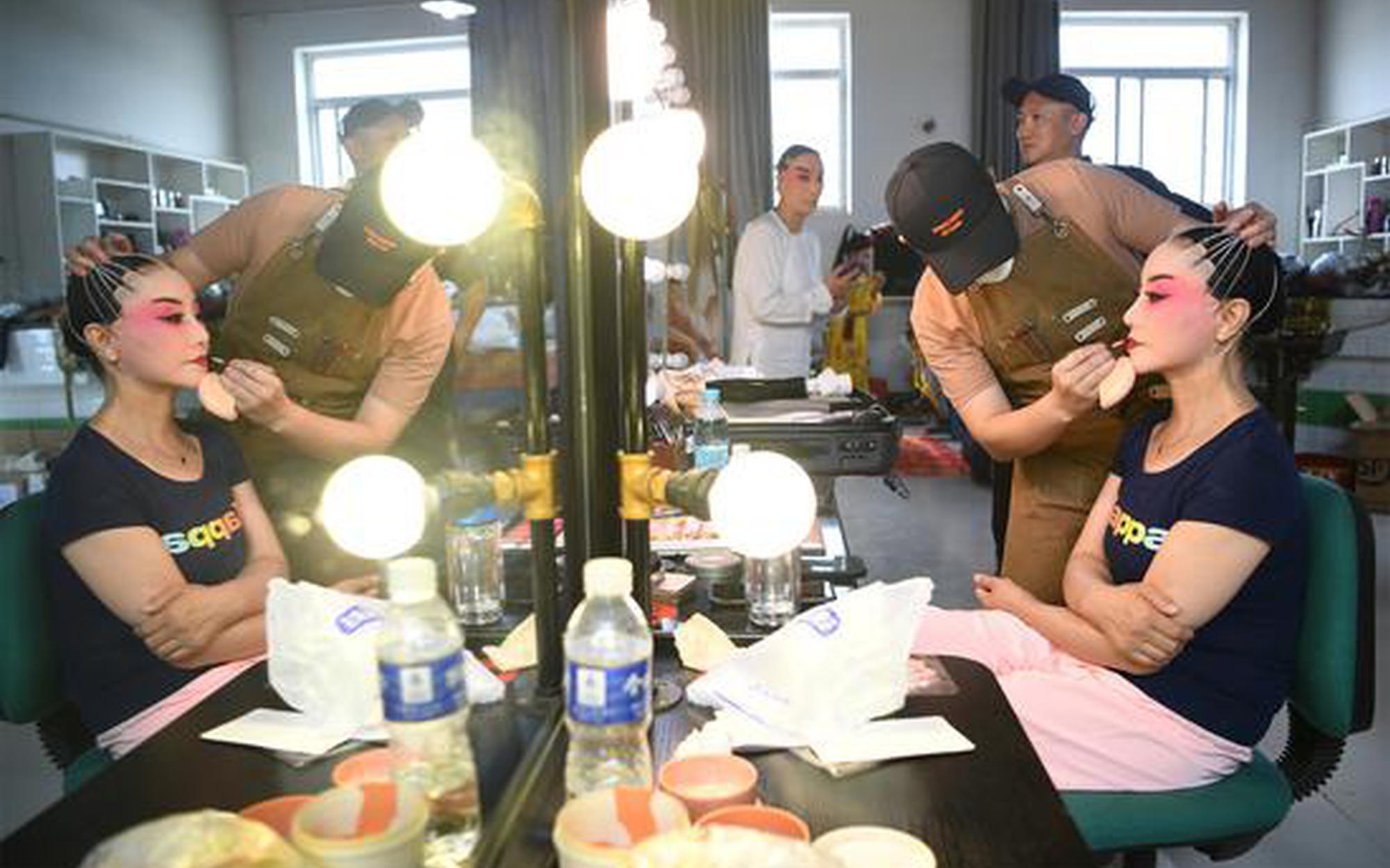 新版《貍貓換太子》9月25日寧夏人民劇院首演