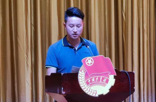 自治區國有企業團工委副書記、寧夏國有資本運營集團團委書記馮則豪作交流發言。