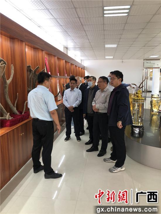 巴马组团赴吉林靖宇县考察学习矿泉水产业发展经验